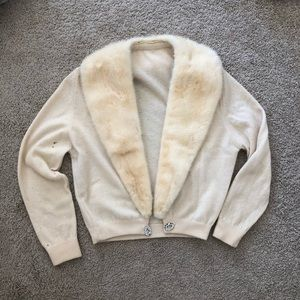 Sweaters - Vintage 1940s sweater w/ real fur collar